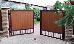 Доступные распашные ворота.